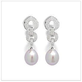 Agatha a Freshwater Cultured Pearl Earring