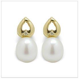 Twinkle a Japanese Akoya Cultured Pearl Earring