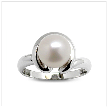 Dolly a Japanese Akoya Cultured Pearl Ring