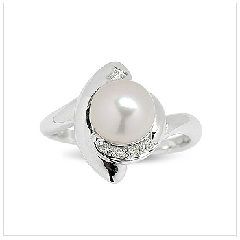 Danik a Japanese Akoya Cultured Pearl Ring