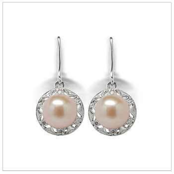 Amira Dangle a Freshwater Cultured Pearl Earring