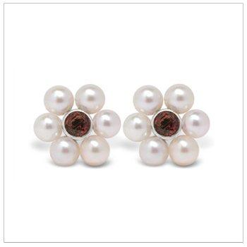 Bloom a Japanese Akoya Cultured Pearl Earring
