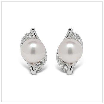 Bisma a Japanese Akoya Cultured Pearl Earring