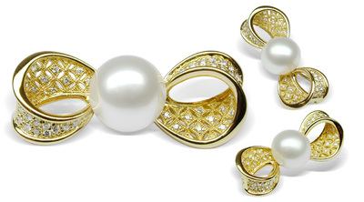 Ellette White South Sea Pearl Brooch